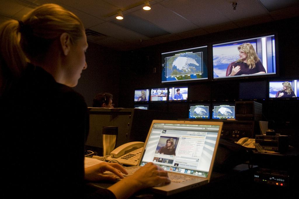 Social Media: ¿Contratar a una empresa o emplear a alguien?